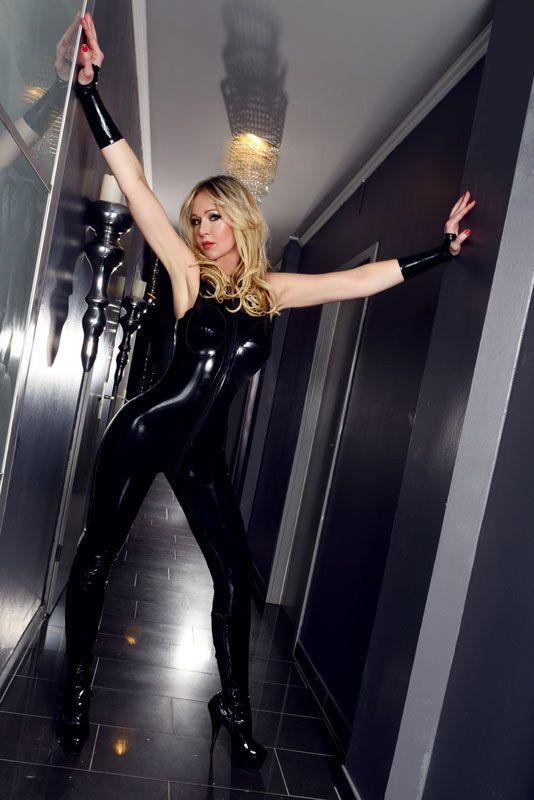 Mistress Liliana – Wieder bei uns zu Gast im Alten Bizarren Bahnhof - AlterBizarrerBahnhof - 2019-06-04-mistress-liliana-08-jpg.9027