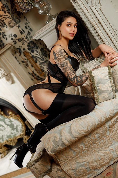 High Class Escort Agency in London - auroralondon - 20200610marta2-jpg.9559