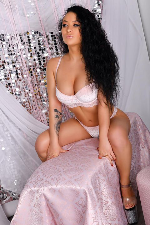 High Class Escort Agency in London - auroralondon - 20200803carla4-jpg.9955