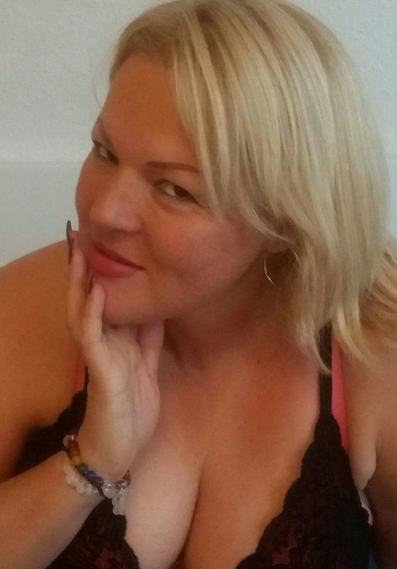 Hübsche blonde Molly Greta - Rubensgreta - img-20161106-wa0001-jpg.5035